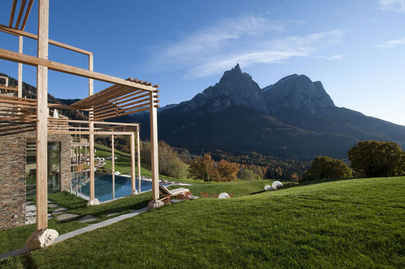 Elegant Retreat in the Italian Mountains: Hotel Valentinerhof