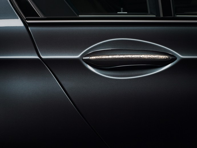 Special-Edition 7-Series by BMW Individual, Handle Trim