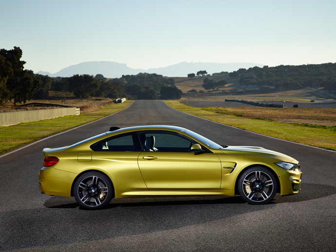 2015 BMW M3 Sedan and M4 Coupe, Side