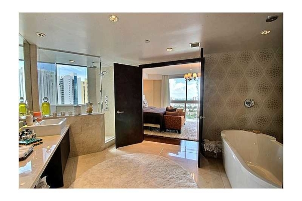 floyd-mayweather-jr-selling-knockout-miami-condo13
