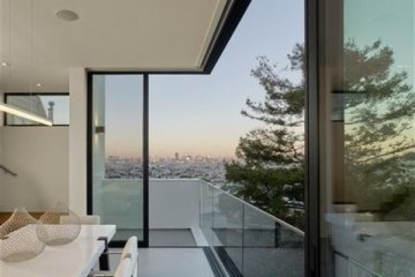 san-francisco-ultramodern-listed-for-4-2m9