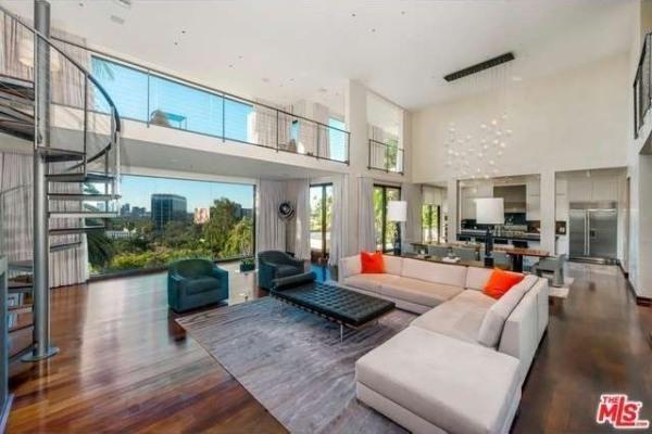 Inside celebrity mansions john travolta