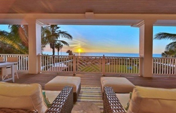 Rosie O'Donnell Lists FL Waterfront Manse for $5.75M