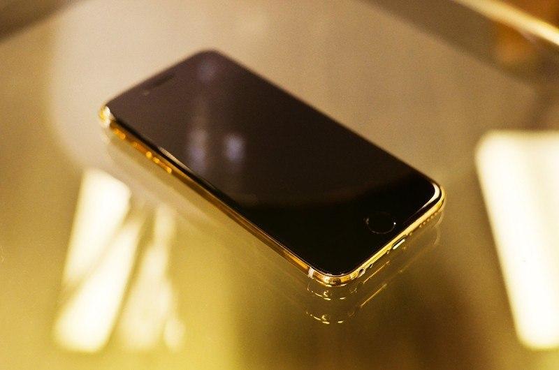 auto-tuner-vorsteiner-produces-24k-gold-iphone4