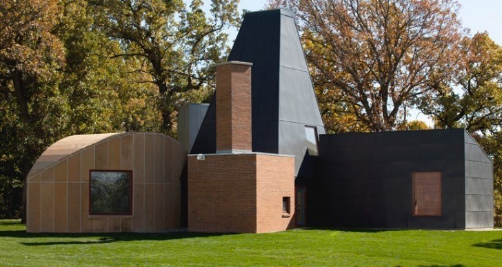 Gehry-Designed House Up for Auction, but You'll Have to Take It Home With You