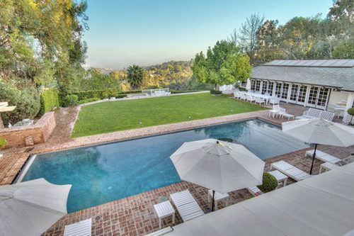 Mariah Carey Sells Bel-Air Mansion for $9M ($4M Below Asking)
