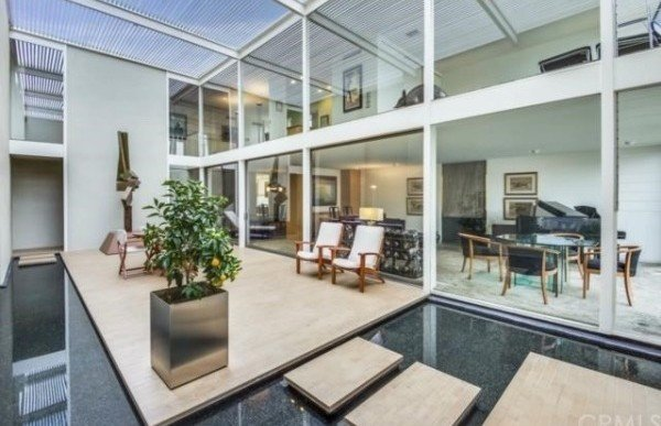 Mid-Century Modern 'Case Study House #25' Hits the Market in Long Beach