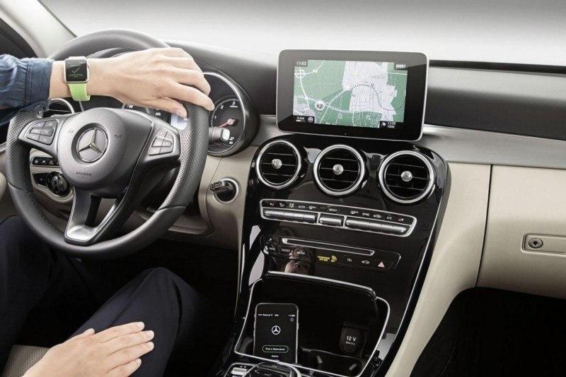 mercedes-benz-now-integrates-with-apple-watch2