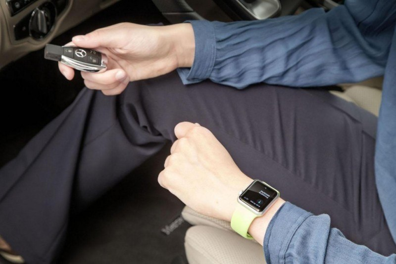 mercedes-benz-now-integrates-with-apple-watch4