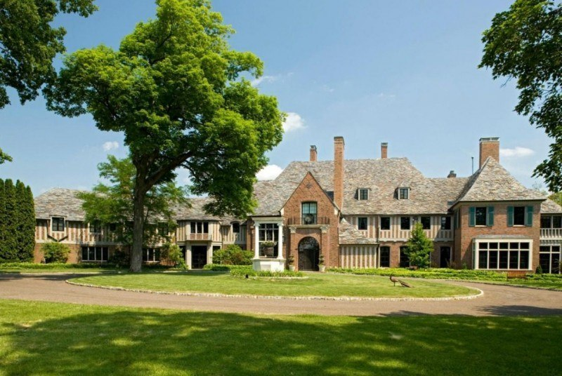 Minnesota 39 s most expensive house still on the market after for Most expensive homes in minnesota