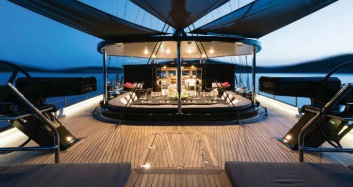 Rox Star Is a Stunning Sailing Yacht Dressed in Black