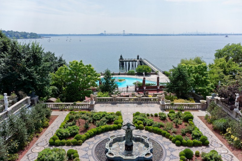 palatial-long-island-estate-listed-for-100m10