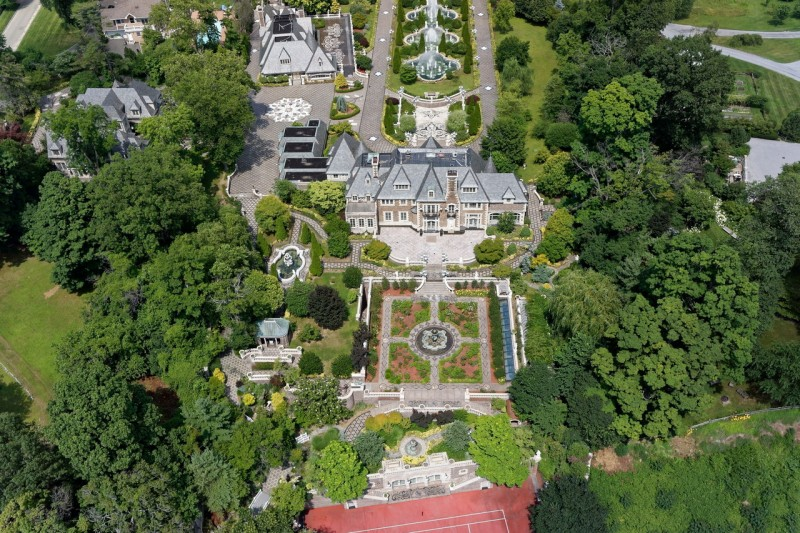 palatial-long-island-estate-listed-for-100m14