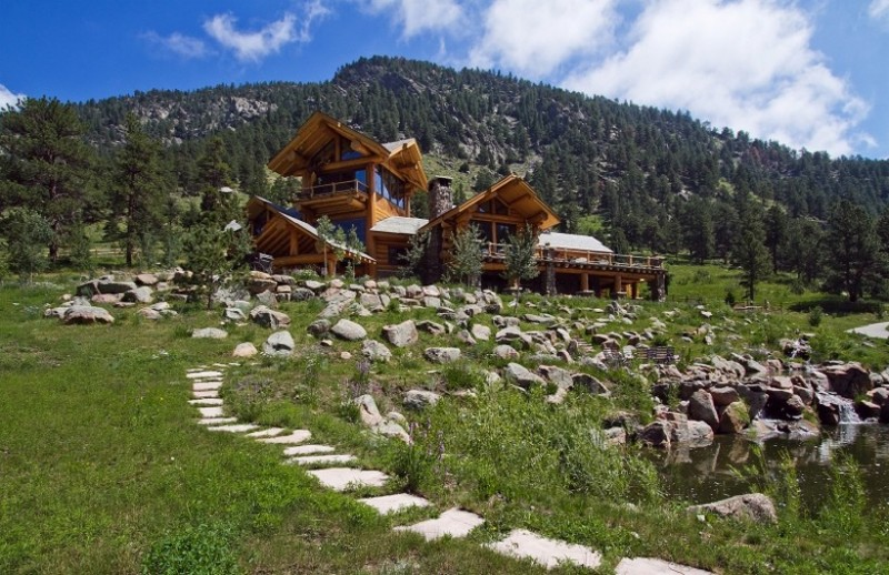 Colorado Mansion With Rocky Mountains View2