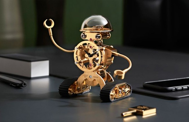 mbf-sherman-is-a-robot-shaped-clock1