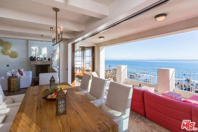 rent-daisy-fuentes-seaside-mansion-for-25kmonth4