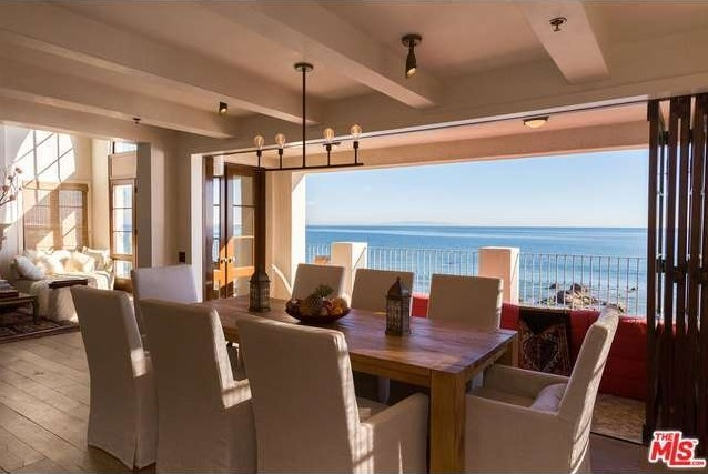 rent-daisy-fuentes-seaside-mansion-for-25kmonth6