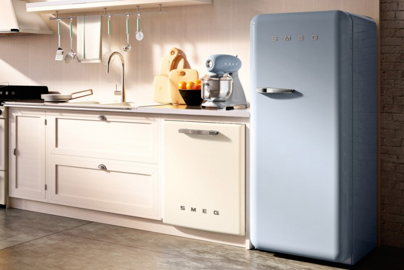 Smeg introduces larger models of its colorful retro style for Smeg kitchen designs
