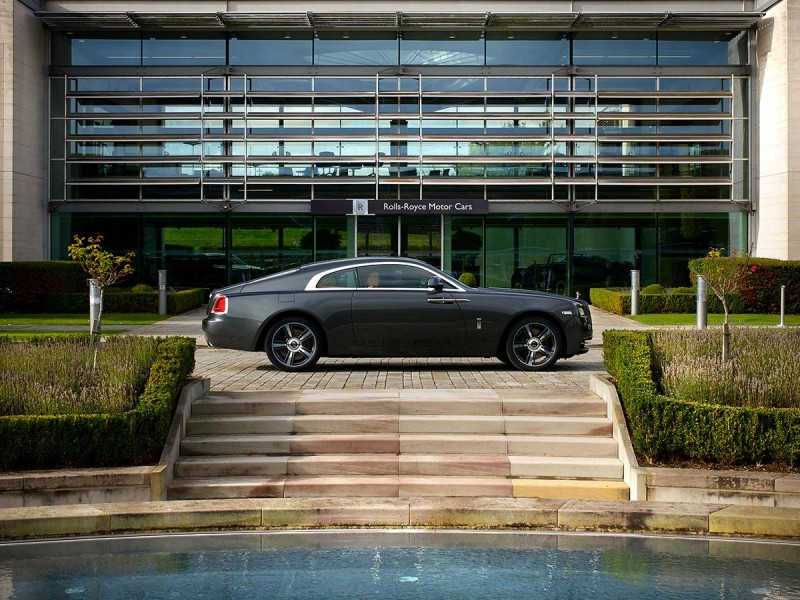 special-edition-rolls-royce-wraith-is-a-tribute-to-spa-francorchamps-circuit8