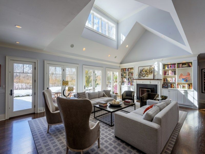 joy-behar-puts-her-hamptons-home-on-the-market-for-3-8m3
