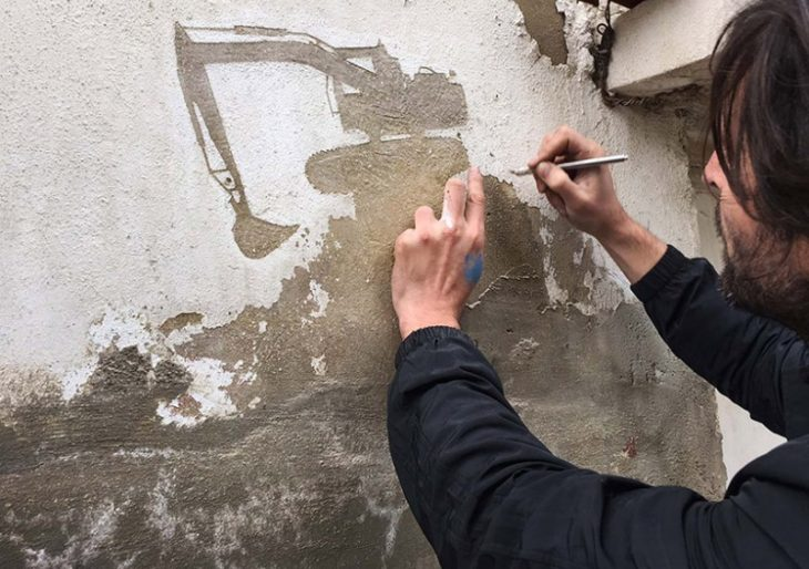Spanish Artist Pejac Illustrates Plight of Palestinians by Chipping Paint Off Wall