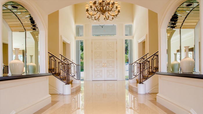 billionaire-steve-wynn-selling-bel-air-mansion-for-16m2