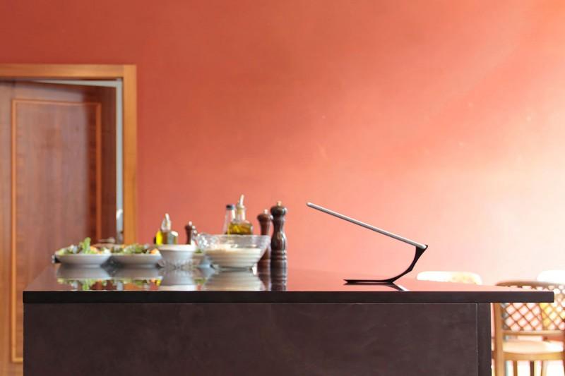 minimalist-and-stylish-ipad-stand-by-yohann2