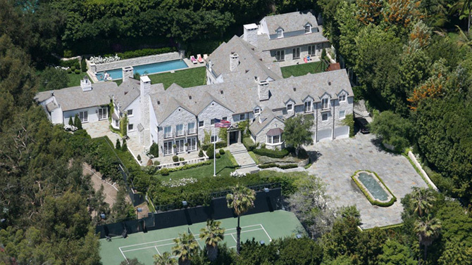 Tom Cruise Selling L A Mansion To Billionaire Leon Black