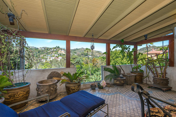 eagles-bassist-timothy-b-schmit-selling-1920s-hollywood-home-for-2m11