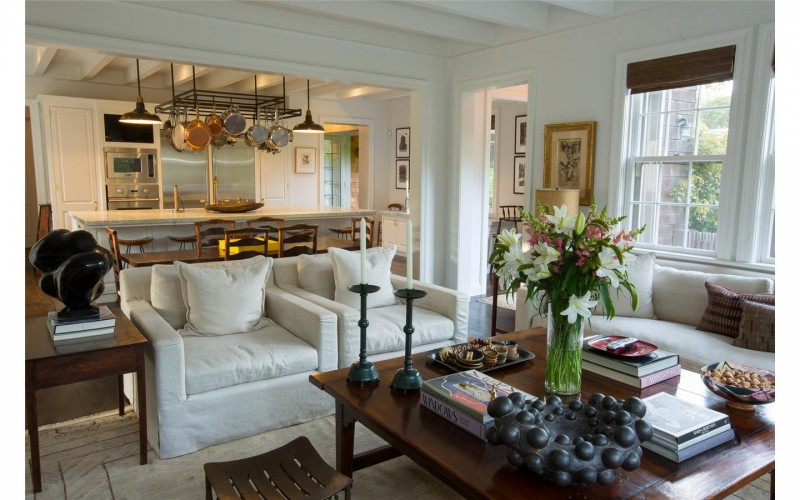michael-jacksons-talent-manager-sandy-gallin-lists-hamptons-home-for-22-5m15