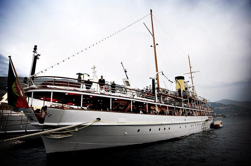 Old Fashioned Cars >> Historic Steam-Powered SS Delphine Super-Yacht Hits Market ...
