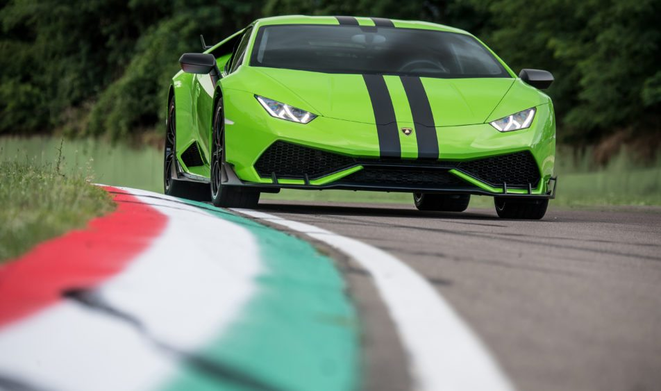 lamborghini-introduces-three-new-huracan-packages2