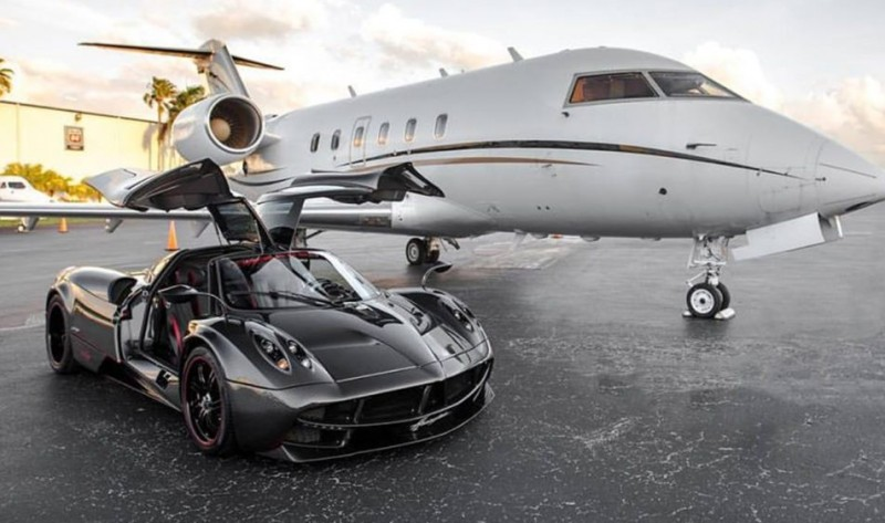Pagani Huayra For Sale >> This Carbon Fiber Pagani Huayra Just Cropped Up For Sale In Florida