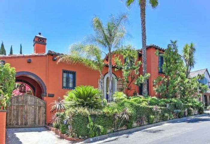 beauty-queen-cum-actress-ali-landry-lists-l-a-home-for-2-4m1