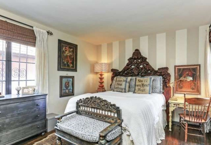 beauty-queen-cum-actress-ali-landry-lists-l-a-home-for-2-4m11