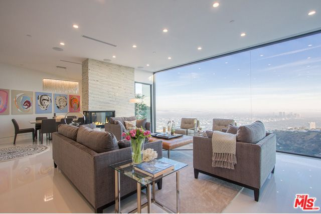 'Fifty Shades' Author Gets a $7.25M Hollywood Contemporary