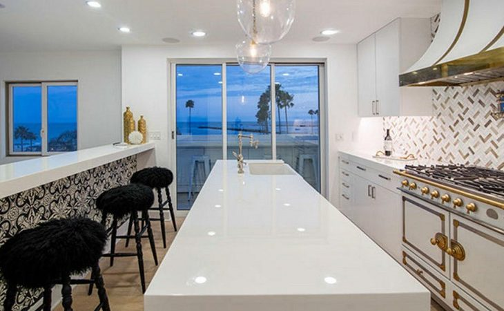 'Real Housewife' Kelly Dodd Seeking $6.3M for Orange County Contemporary