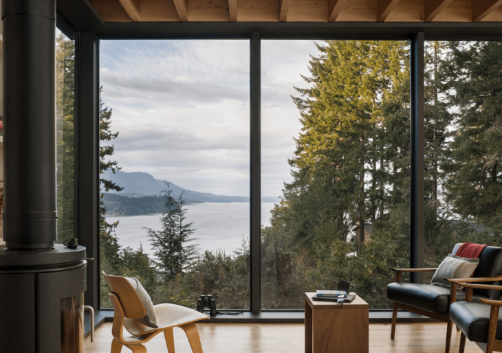 Little house in washington state by mw works american luxury for Hood canal cabin for sale