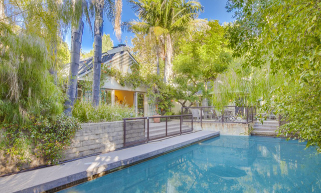 peter-gallagher-knocks-750k-off-brentwood-ask15
