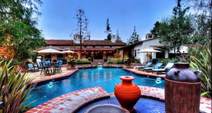 'Real Housewife' Alexis Bellino Spends $3.65M on Her New California Hacienda