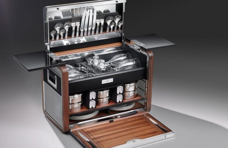 Rolls-Royce Designs Luxurious Picnic Basket for Phantom Zeniths