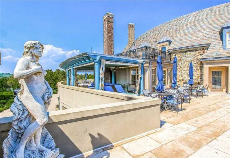 the-19m-seafair-cottage-is-rhode-islands-most-expensive-property22
