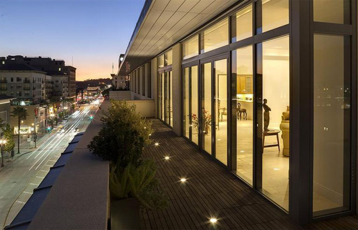 4-5m-gets-walking-dead-producer-gale-anne-hurd-a-penthouse-in-pasadenas-posh-montana-building10