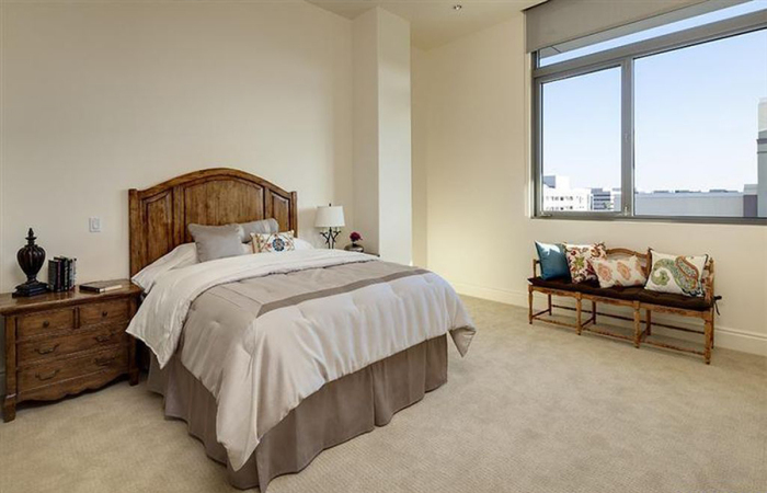 4-5m-gets-walking-dead-producer-gale-anne-hurd-a-penthouse-in-pasadenas-posh-montana-building8