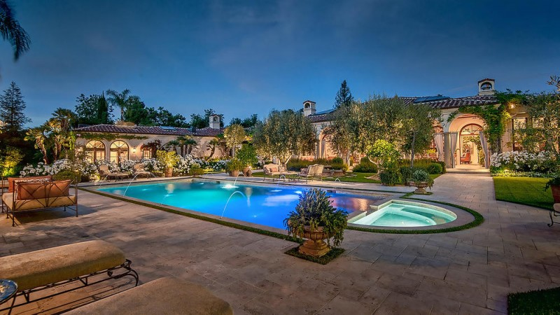 dick-van-dykes-former-encino-home-sells-for-6-5m17