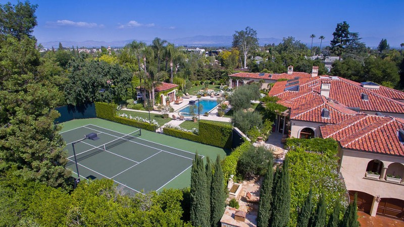 dick-van-dykes-former-encino-home-sells-for-6-5m24
