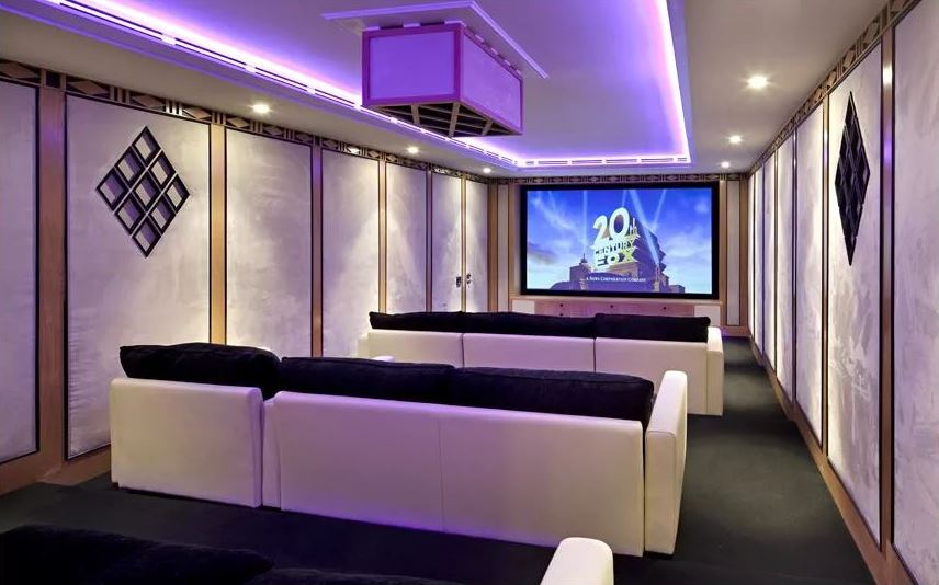 a-look-at-justin-biebers-132kmonth-london-pad8