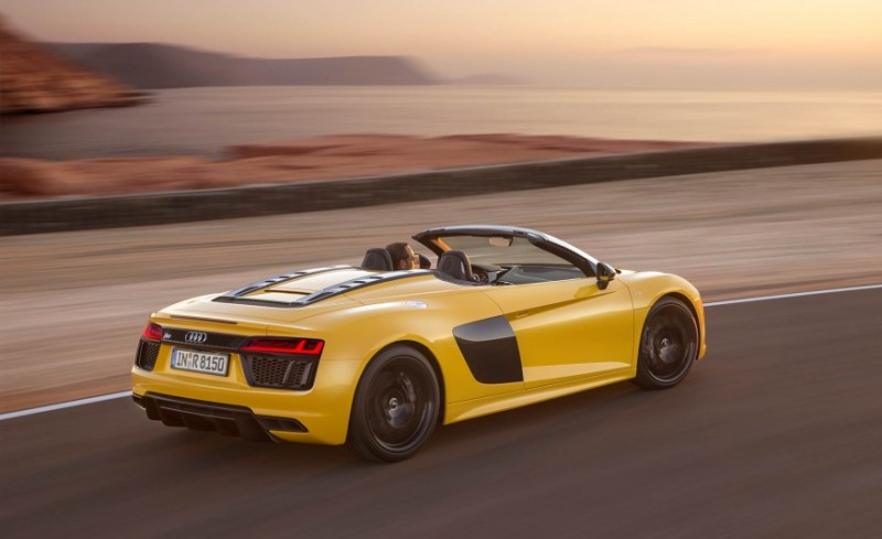 audi-gives-its-most-powerful-car-a-convertible-top-with-r8-spyder11
