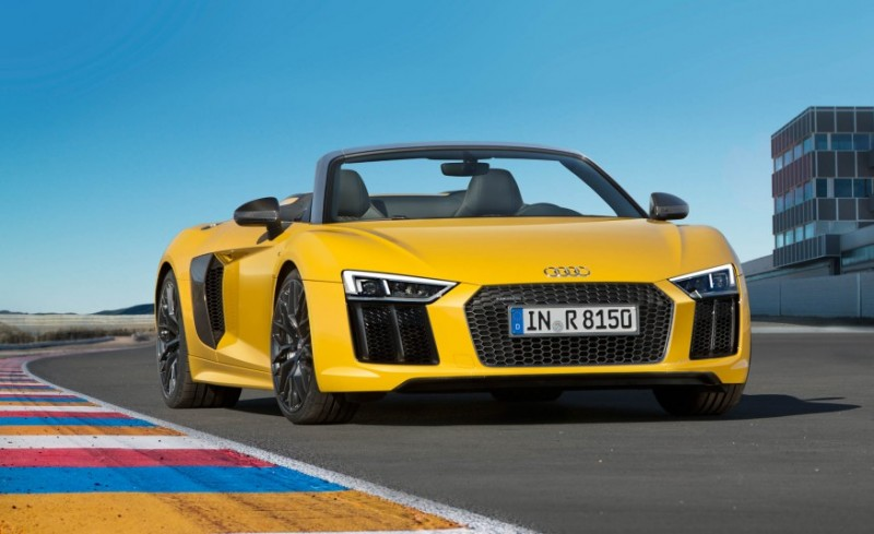 audi-gives-its-most-powerful-car-a-convertible-top-with-r8-spyder15
