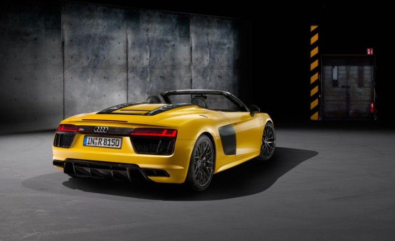 audi-gives-its-most-powerful-car-a-convertible-top-with-r8-spyder21